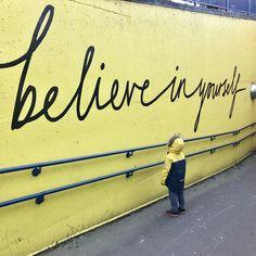 Ποιες από τις συνήθειες σου είναι βαμπίρ ενέργειας και πώς θα τις αλλάξεις List Of Affirmations, Positive Affirmations, What Is Self, Self Love, Oscar Wilde, Giorgio Nardone, Positive Self Esteem, Yellow Quotes, Self Compassion