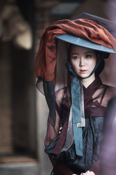 'The Treacherous' Lee Yoo-young's alluring eyes to play Joseon's top kisaeng, Seol Joong-mae @ HanCinema :: The Korean Movie and Drama Database