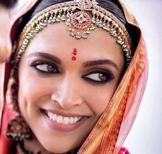Deepika padukone has proved that she is the worlds most beautiful bride by doing nothing that the other 3 brides did and still dazzle us. Deepika Padukone Saree, Deepika Ranveer, Lehenga, Sabyasachi, Indian Wedding Makeup, Wedding Couple Poses Photography, Photography Poses, Bollywood Wedding, Punjabi Wedding