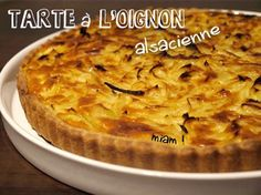 Tarte à l'oignon alsacienne - la recette traditionnelle Pisco Sour, Lunch Recipes, Cooking Recipes, Healthy Recipes, Empanadas, Salty Tart, Savoury Baking, Winter Food, Recipe Using