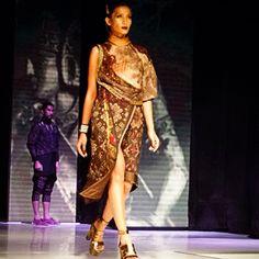 JFFF AWARDS feat Deden Siswanto @DenSiswanto 'Culturecstatic'  @JFFF_Info from my  #PathFashionReport #tenun #ikat #bali #fashion #indonesia #jfff #jf3 #dedensiswanto #appmi Bali Fashion, Ikat, Awards, Sari, Culture, Modern, Inspiration, Clothes, Design