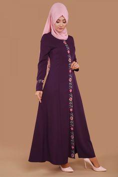 Biye Çiçekli Pardesü Mürdüm Ürün kodu: AH2157 --> 129.90 TL Hijab Gown, Hijab Style Dress, Maxi Skirt Style, Hijab Outfit, Islamic Fashion, Muslim Fashion, Abaya Fashion, Fashion Dresses, Modele Hijab