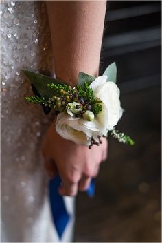 Wedding wrist corsage - A Decadent, Gold Luxe Bridal Shoot… Wrist Flowers, Prom Flowers, Bridal Flowers, Luxe Wedding, Floral Wedding, Wedding Bouquets, Wedding Corsages, Prom Corsage And Boutonniere, Boutonnieres