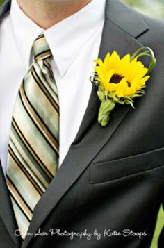 This is exactly what the men will have in my wedding. My wedding flowers will definitely be sunflowers. Wedding Bells, Fall Wedding, Our Wedding, Dream Wedding, Yellow Wedding, Wedding Stuff, Casual Wedding, Sunflower Boutonniere, Sunflower Bouquets
