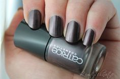 catrice ultimate nail lacquer 60 Out of the Dark
