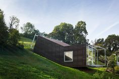 Der Wiener Architekten Christian Tonko baute ein Atelier in…