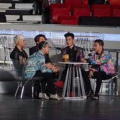 BigBang at MADE looks like a happy family Daesung, Gd Bigbang, Bigbang G Dragon, Bigbang Members, Yg Entertainment, Bigbang Wallpapers, Top Choi Seung Hyun, G Dragon Top, Big Bang