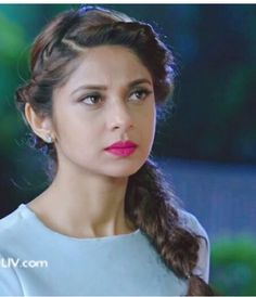 Braided Hairstyles, Cool Hairstyles, Hairstyle Ideas, Hair Ideas, Corporate Women, Jennifer Winget Beyhadh, Playing With Hair, Jennifer Love, Girl Photography Poses