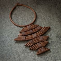 Jewelry_Necklace_Caccoon_Rust-63009