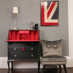 Caroline Devine of Magpie Interiors in Liverpool was inspired by the Christian Louboutin shoe to paint this Queen Anne style bureau . It was painted in my (Annie Sloan) Graphite, with the inner painted in my Emperor's Silk.  I think it's stunning!