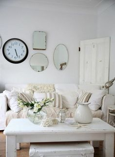 3 Profound ideas: Shabby Chic Bathroom Colors shabby chic interior little girl rooms.Shabby Chic Interior Little Girl Rooms shabby chic vanity paint. Modern Shabby Chic, Shabby Chic Living Room, Cottage Living, Shabby Chic Homes, Shabby Chic Decor, Beach Cottage Style, Beach Cottage Decor, Cottage Chic, Coastal Cottage