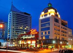 Best Value Hotels in Malaysia & United Kingdom Kota Kinabalu, Tourist Spots, Borneo, Home And Away, Capital City, Seattle Skyline, Empire State Building, Places Ive Been, Swimming Pools