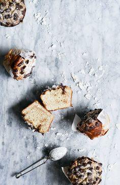 Healthy Gluten Free Banana bread breakfast muffins made in 5 minutes! Easy sugar free, paleo, and grain free breakfast recipe.