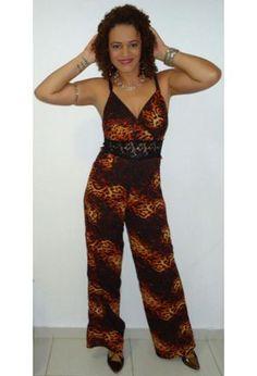 Look by @llu_regina with #heels #jumpsuits #jewelry #lillyscloset #bijuteria #mangarosa.
