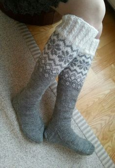 Crochet Socks, Knitting Socks, Knit Crochet, Wool Socks, My Socks, Cross Stitch Patterns, Knitting Patterns, Malli, Knee High Socks