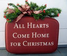 DIY..Holiday Sign using an old suitcase Primitive Christmas, Noel Christmas, Merry Little Christmas, Country Christmas, All Things Christmas, Winter Christmas, Vintage Christmas, Christmas Crafts, Christmas Decorations
