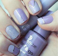 Classy Nail art in lavender