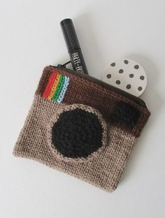 Free knitting pattern for camera purse