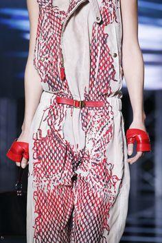 Louis Vuitton Spring 2016 Ready-to-Wear Fashion Show Details