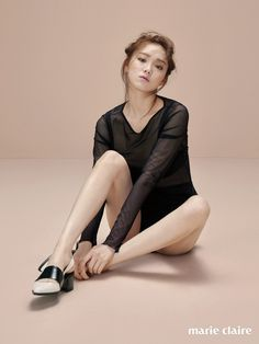 Lee Sung Kyung Shows Us How to Model in Marie Claire Lee Sung Kyung, Weightlifting Fairy Kim Bok Joo, Poses References, Body Poses, Fashion Poses, Korean Actresses, Female Poses, Korean Model, Marie Claire