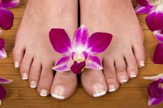 Enjoy a lovely pedicure @ Waer Waters Resort! Want to spoil your feet a little bit more...Ask for #gelish!