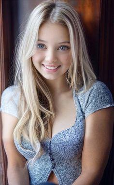 Most Beautiful Eyes, Beautiful Little Girls, Beautiful Women, Face Pictures, Great Women, Beauty Women, Hair Beauty, Long Hair Styles, Aphrodite