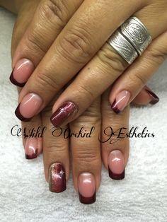 Burgundy nails. Nail art. Star. Swarovski crystals. Gel nails.