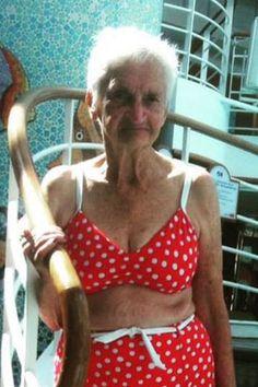 Ältere Frauen Bikini Bilder