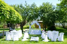 Charming and chic decor for your wedding ceremony at #restaurant Villa Marciana