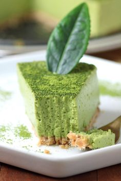 A creamy Vegan Matcha Mousse Cake with an airy, whipped texture flavored with the complex taste of Japanese matcha green tea powder. Matcha Mousse, Mousse Cake, Cake Land, Matcha Green Tea Powder, Tea Recipes, Smoothie Recipes, Kefir, Vegan Desserts, Alcoholic Desserts