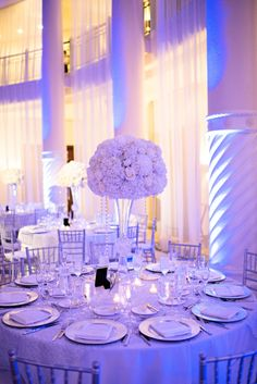 Chic Classic Silver and White Wedding ! Just Need the led lights to transform it into all bluish purple room of elegance. Perfect !!!!