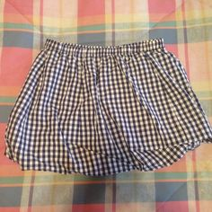 J.Crew Gingham Mini Bubble Skirt size Small Adorable gingham bubble skirt by J.Crew. Size small with elastic waist band. 100% cotton. Measures 14.5 inches across waist band and 15 inches from top of skirt to bottom. Skirt would fit size 4/6, as well as an 8 but it would be very short and best worn with leggings. J. Crew Skirts Mini