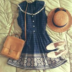 I don't know if i'd wear it but it's such a cute, girly, casual and vintage look Alternative Rock, Retro, Vintage Outfits, Vintage Fashion, Summer Outfits, Cute Outfits, Check Dress, Facon, Soft Grunge