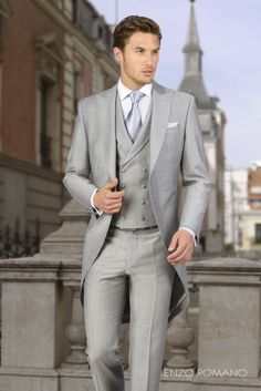 Italian Grey Tailcoat Wedding Suits for Men Groom Tuxedo Evening Party Suit Groom Tuxedo Wedding, Grey Suit Wedding, Wedding Men, Light Grey Suit Men, Black Suits, Costumes Gris Clair, Prom Suit Jackets, Style Costume Homme, Party Suits