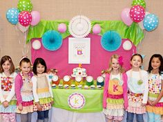 Cutest little girl arts party. I MIGHT take one of these ideas because seriously... I don't have time for this. BUT. it's pretty stinkin cute.