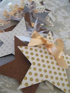 Star Christmas tree ornament tutorial.   Perfect for a last minute gift
