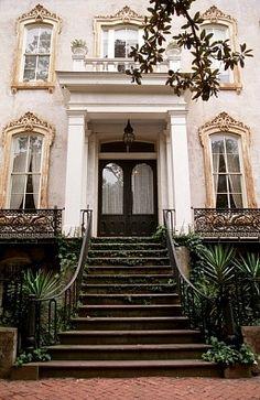 ~ What a beautiful house Savannah Row House Southern Homes, Southern Style, Southern Girls, Southern Charm, Home Design, Home Interior, Interior And Exterior, Mansion Homes, Beautiful Homes