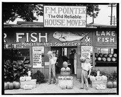 A roadside stand near Birmingham, Ala., in 1936 as photographed by Walker Evans for the Farm Security Administration. (Walker Evans/FSA/The Library of Congress) Tina Modotti, Gordon Parks, Vintage Photographs, Vintage Photos, Walker Evans Photography, Missouri, Depression Era Recipes, House Movers, Fruit Stands