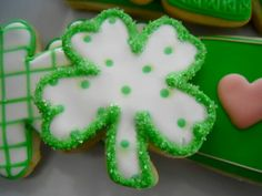 St. Patrick's Day Cookies Repinned By:#TheCookieCutterCompany