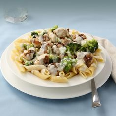 Ziti pasta mixed with our house creamy alfredo sauce tossed with tender chicken and broccoli.