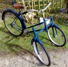 1940s Monarch Teenage Girls Tricycle
