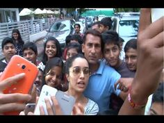 OMG ! Shraddha Kapoor mobbed by young fans for a selfie. See the full video at : https://youtu.be/IrLwnx6Mm_E #shraddhakapoor #bollywood #bollywoodnews