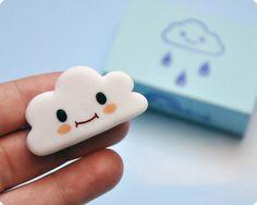 Cute Smiling Cloud FIMO brooch. MemiTheRainbow Une Italienne à Paris! via Etsy.