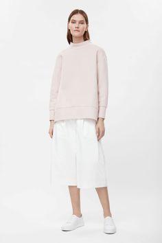 50€ COS   Oversize high-neck sweatshirt