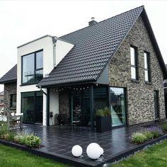 Modern Farmhouse Exterior, Farmhouse Plans, Future House, My House, Dream House Exterior, Facade House, House Goals, Modern House Design, Exterior Design