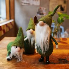 Design:  Needle felted Animal Cute Christmas gnome garden In Stock: 7-10 days for processing  Include:  Only The Needle Felting Christmas gnome garden Color:  White & Green Material:  Felt Wool (100% merino wool), Plastic Eyes,...