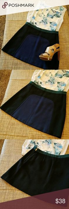 """ZARA  skirt Worn once, NO SIGNS OF WEAR. Super cute skirt, color block. Zipper at one side. My sister was about to rip off the tags (last pic), no pilling, no fading. I eould say is a mini lenght. Waist 14.5"""", length 15.5"""" Because of the nature of fabric (viscose and wool), it may look like is pilling a little, it isn't, is just the way the fabric looks, last pic. Zara Skirts"""