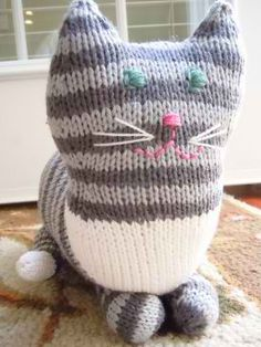 The Parlor Cat Pattern: #knit #knitting #free #pattern #freepattern #freeknittingpattern #knittingpattern
