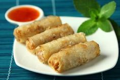 Quick and easy Vietnamese spring rolls recipe - Recettes asiatiques - Asian Recipes Canapes Faciles, Vietnamese Spring Rolls, Food Porn, Exotic Food, Asian Cooking, Rolls Recipe, Finger Foods, Asian Recipes, Food Inspiration