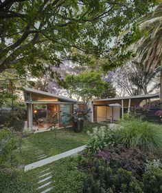 The Garden Room by Welsh & Major Architects (via Lunchbox Architect) room construction The Garden Room: Home in Sydney Transformed Into a Garden Oasis Patio Canopy, Diy Canopy, Canopy Outdoor, Canopy Crib, Window Canopy, Beach Canopy, Wooden Canopy, Canopy Curtains, Fabric Canopy